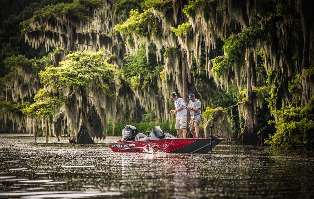 freshwater fishing boat photo tracker